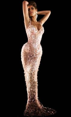 Beyonce. Breathtaking. A silhouette only an endomorph can boast.