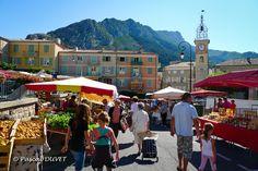 SI32 - Le marché de Sisteron le samedi - Alpes de Haute Provence 04