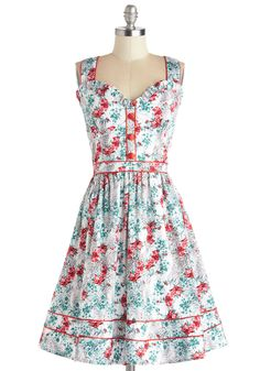 Possible summer wedding dress. Love this style and the pattern it's so me..I've got that old country feeling looking at it (: xoxo @ModCloth