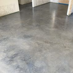 2016 concrete photo contest Surecrete Products July thru August pictures of metallic floors, stains and overlays, countertops Painted Concrete Floors, Concrete Color, Stained Concrete, Concrete Kitchen, Concrete Patio, Diy Flooring, Flooring Options, Pool House Plans, Interior Design Courses