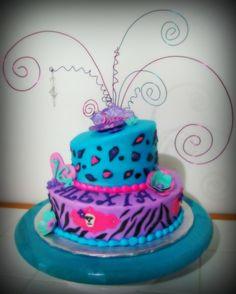 zebra cakes for girls 21st Birthday Cakes, Sweet 16 Birthday, Zebra Birthday, Birthday Ideas, Birthday Fun, Birthday Parties, Cheetah Cakes, Leopard Cake, Zebra Cakes