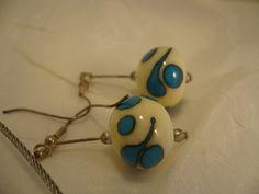 31C Collier 5 perles ivoire et turquoise BO   Flickr: partage de photos!
