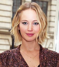 Jennifer Lawrence's wavy lob bob and pink lips look beautiful together