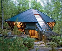Oblique Angles and a Love of Music Define a Dramatic House in the Catskills