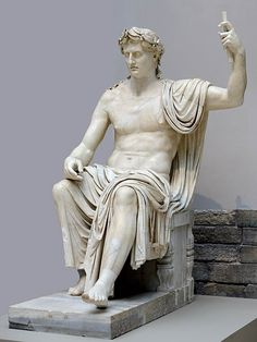 Augustus as the Capitoline Jupiter, Roman statue (marble), body century CE (head modern), (Museo Archeologico Nazionale, Naples). Roman History, Art History, Ancient Rome, Ancient Art, Pablo Picasso, Steinmetz, Empire Romain, Roman Sculpture, Roman Emperor