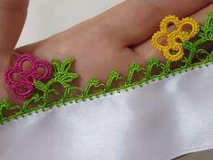 Colorful Flowers Standing Side by Side tığ ile gül yapımı # Crochet Flowers, Crochet Lace, Crochet Designs, Crochet Patterns, Saree Tassels, Sunflower Tattoo Design, Learn How To Knit, Knitted Shawls, Knitting Socks