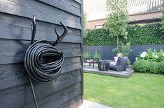 Tuinslang goed opgehangen - All For Garden Garden Edging, Garden Beds, Garden Art, Garden Tools, Love Garden, Shade Garden, Home And Garden, Formal Gardens, Outdoor Gardens