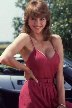 """Victoria Principal played the role of Pamela Barnes Ewing on the hit TV series """"Dallas"""". She was Bobby Ewing's(Patrick Duffy) wife and the sister of Cliff Barnes (Ken Kercheval) Victoria Principal, Serie Dallas, Dallas Tv Show, Dallas Series, Beautiful Celebrities, Beautiful Actresses, Beautiful Women, Patrick Duffy, Pin Up"""
