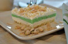 Mennonite Girls Can Cook: Pistachio Dessert