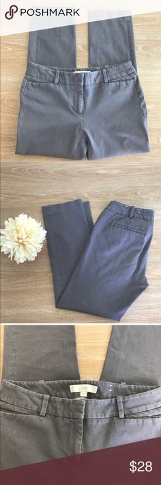 ANN TAYLOR ANKLE CROPPED PANTS 💗Condition: EUC, No flaws, no rips, holes or stains. Size 2, length: 32.5, color: faded gray, noticed color on third picture. Item is used in excellent condition.  💗Smoke free home/Pet hair free 💗No trades, No returns 💗No modeling  💗Shipping next day. Beautiful package! 💗I LOVE OFFERS, offer me! 💗ALL ITEMS ARE OWNED BY ME. NOT FROM THRIFT STORES 💗All transactions video recorded to ensure quality.  💗Ask all questions before buying #140 LOFT Pants Ankle…