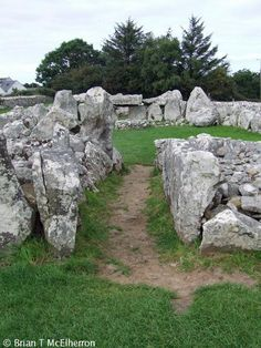 Creevykeel Court Tomb is one of the better examples of a court tomb in Ireland. The monument is located on the foothills of Tievebaun Mountain close to the sea near Mullaghmore in County Sligo. Creevykeel Court Tomb, Mullaghmore, Sligo, Ireland