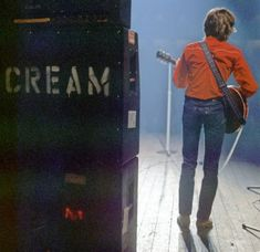 Eric Clapton with his Marshall plexi amplifier and pinstripe cabinet stack Rock N Roll Music, Rock And Roll, Lyon, Cream Eric Clapton, Dave Mason, John Mayall, The Yardbirds, Blind Faith, Concert Posters