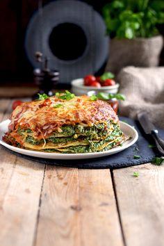 Pancake Stack mit Spinat und Tomaten