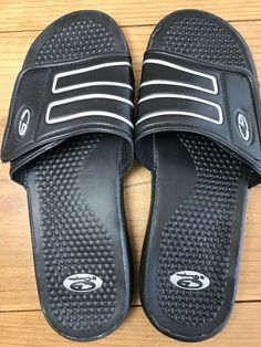 3eaa8797a644 CG By Champion Men s Size 11 Slide Sandals Black Slides Indoor Outdoor  Slippers  Champion