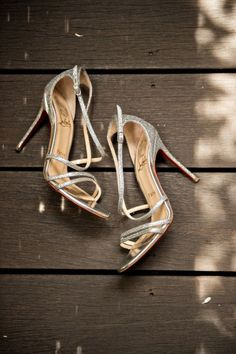 Metallic Louboutins: http://www.stylemepretty.com/little-black-book-blog/2015/01/22/elegant-summer-wedding-at-calistoga-ranch/   Photography: Laurie Bailey - http://lauriebailey.com/