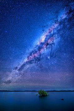 Photographer Jay Daley captured this stunning image of the Milky Way Galaxy looming over Wilson Beach in Australia.