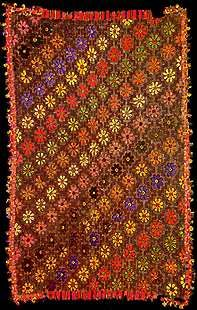 Nazca wool textile with border of three-dimensional birds, c. Photo: Museo Nacional de Arqueologia, Antropologia e Historia del Peru. Fabric Art, Fabric Design, Peruvian Art, Peruvian Textiles, Nazca Lines, Inca, Rugs On Carpet, Carpets, Prehistory
