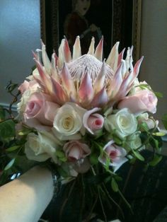 20 approaches to Throw the excellent wedding Ever Protea Bouquet, Protea Flower, Protea Wedding, Wedding Bouquets, Wedding Starters, Wedding 2015, Wedding Ideas, Bridal Flowers, Beautiful Roses