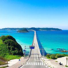 エメラルドブルーに輝く角島大橋(山口県)  Tsunoshima Ohashi Bridge with deamatic blue sea. (YamaguchiJapan)  詩歩/Shiho2015 by shih0107