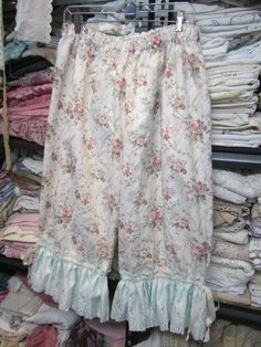 Vintage Kitty...pretty floral BLOOMERS.. heavy cotton.. roses.. vintage embroidered satin trim.. mint green and pink.. Med - XL