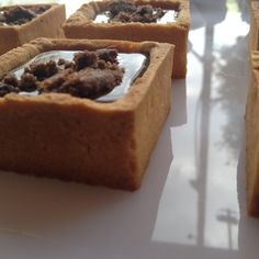 Chocolate Tartlette with crumble by Pavlov's Lab
