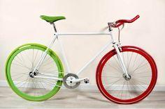 Bicicletta Fixed con i colori dell'italia...