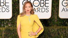 Golden Globes 2016: Jennifer Lopez Stuns in Giambattista Valli