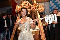 #Stanglwirt im #Tirol feiert die 25. #Weisswurstparty mit #Prominenten Zum Bericht: http://www.fashionpaper.ch/lifestyle/stanglwirt-im-tirol-feiert-die-25-weisswurstparty-mit-prominenten/  #dirndl #tracht #ArnoldSchwarzenegger #NikiLauda #VeronaPooth #MonicaMeierIvancan #UschiGlas #FranziskaKnuppe #SimoneThomalla #SophiaThomalla #JörnSchlönvoigt #FranzKlammer #FritzStrobl #LeonhardStock #StephanEberharter