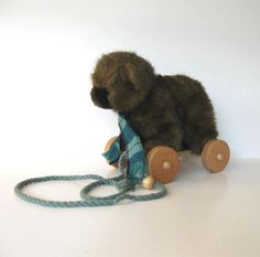 Vintage 1986 Applause Bear Pull Toy vintage by jewelryandthings2