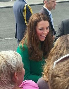Kate arrives at Hamilton International Airport in New Zealand. Duchess Kate, Duke And Duchess, Duchess Of Cambridge, William And Son, William Kate, Prince William, Princess Kate, Princess Charlotte, Baby Prince