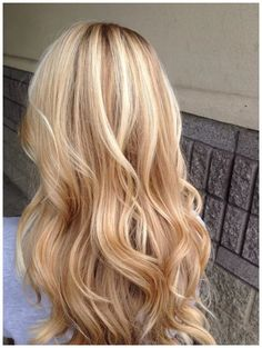 Golden Blonde Balayage for Straight Hair - Honey Blonde Hair Inspiration - The Trending Hairstyle Blonde Hair Shades, Honey Blonde Hair, Blonde Hair Colors, Blonde Balayage Honey, Ash Blonde, Spring Hairstyles, Balayage Hair, Balayage Color, Hair Inspiration