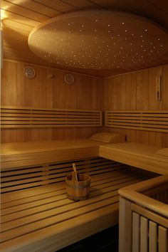 Unser Wellnessbereich... Sauna Steam Room, Sauna Room, Saunas, Building A Sauna, Sauna Seca, Steam Shower Enclosure, Dry Sauna, Sauna Design, Outdoor Sauna
