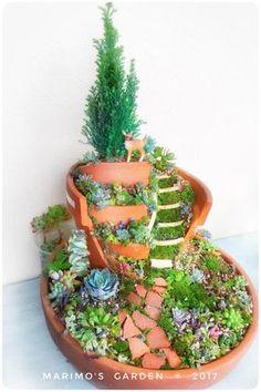 Broken Pot Succulent Remake Broken Pot Broken Flower Pot fairies garden - All For Garden Broken Pot Garden, Fairy Garden Pots, Garden Terrarium, Fairy Garden Houses, Fairies Garden, Fairy Crafts, Garden Crafts, Diy Garden Decor, Garden Ideas