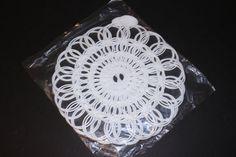 Tupperware White Plastic Doilies Vintage Mid Century 1950s by TresorsEnchantes…