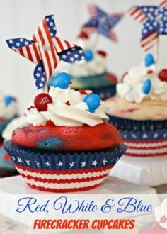 Red, White and Blue Firecracker Patriotic Cupcakes - scrappygeek.com