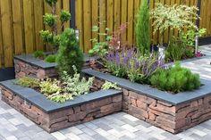 Simple Yet Elegant Modern Landscaping Design Tips – My Best Rock Landscaping Ideas Craftsman Bungalow Exterior, Rustic Houses Exterior, Ranch Exterior, Cafe Exterior, Restaurant Exterior, Cottage Exterior, Modern Landscaping, Front Yard Landscaping, Back Gardens