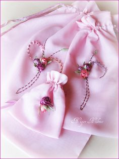 ~ pink gift bags w/silk ribbon roses Ribbon Embroidery Tutorial, Silk Ribbon Embroidery, Embroidery Patterns, Henna Night, Ribbon Art, Soutache Jewelry, Pink Gifts, Quilts, Sewing