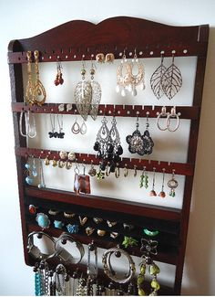 Love this jewelry holder.