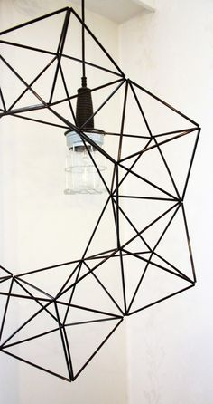 Modern himmeli from black, thin straws. Handmade Ornaments, Handmade Crafts, Diy And Crafts, Paper Crafts, Diy Origami, Gold Party, Home And Deco, Xmas Decorations, Diy Projects To Try