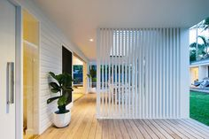 Multi-award winning architect designed home in Byron Bay with a complete transformation of the existing buildings into a modern luxury 4 bedroom house and studio Residential Architect, Architect Design, Small House Renovation, Bungalow Extensions, House Makeovers, Queenslander, Beach Shack, 4 Bedroom House, Byron Bay