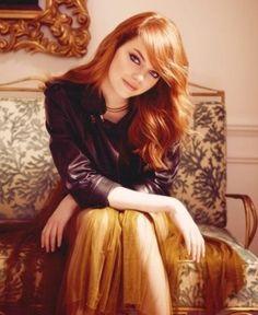 Emma Stone Hairstyles: Gorgeous Wavy Haircut