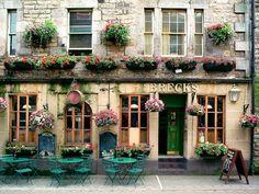 Brecks Pub - Edinburgh, Scotland photographed by Dennis Barloga
