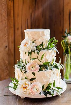 Brides.com: 28 of Our Favorite Cakes from Real Weddings When Jenna and Joe planned to host their North Carolina wedding in a grove of cedar tress, the pair knew a nature-inspired day was in order. Buttercream-frosted pound cake was done up with green and white hydrangeas. Photo: Patricia Lyons Photography