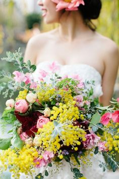 Gorgeous wild bouquet of yellow wattle (acacia), pink and purple blooms #rustic #wildflowers #wedding