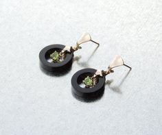 Saturnia Earrings with Peridot