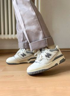 Style Streetwear, Sweat Streetwear, Swag Shoes, Aesthetic Shoes, Fresh Shoes, Hype Shoes, Pretty Shoes, Mode Outfits, Shoe Game