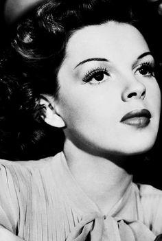 Judy Garland - love the makeup