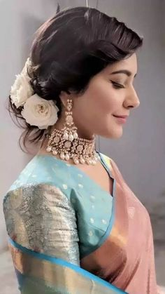 Beautiful South Indian Wedding Wear Idea :- AwesomeLifestyleFashionYou can find South indian weddings and more on our website. Indian Wedding Wear, Indian Bridal Fashion, Indian Weddings, Bride Indian, Kerala Bride, Hairstyle For Indian Wedding, Indian Wear, Wedding Sari, Indian Groom