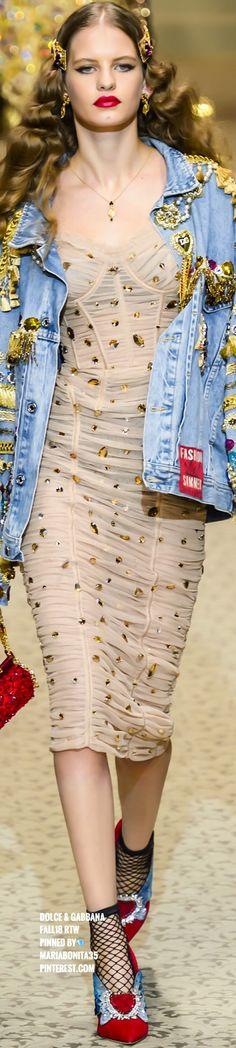 Dolce   Gabbana, Domenico Dolce, Stefano Gabbana, Italian Fashion  Designers, Fashion 2018 f3ec78e77e