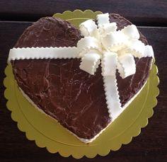 Torta corazón de chocolate
